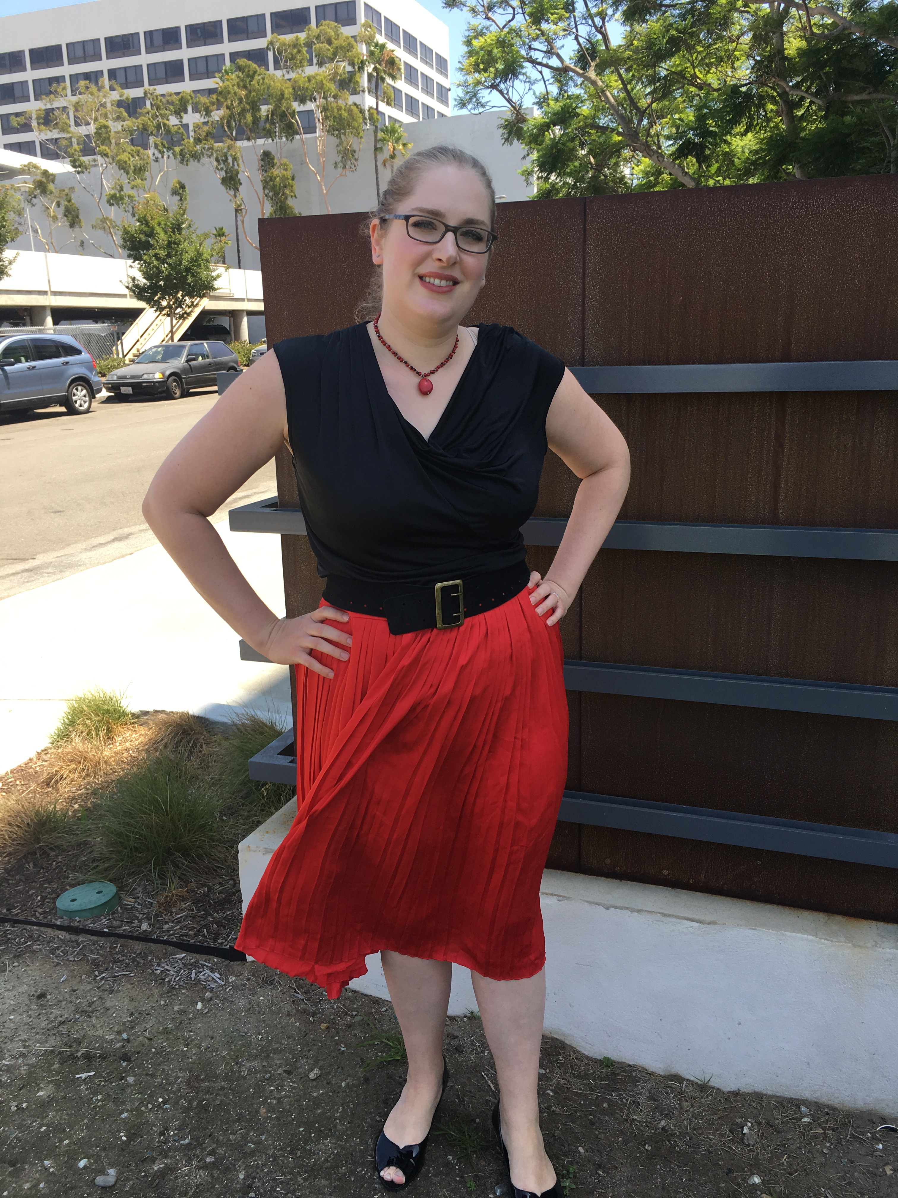 I'm feeling the fiery flamenco influence with this outfit today. Flamenco  dancers traditionally wear a red or red and black dress and this red  pleated midi ...